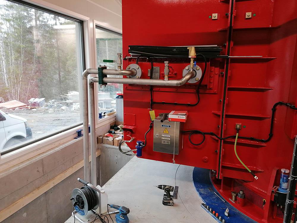 Sveising og montering av kjøler til generator